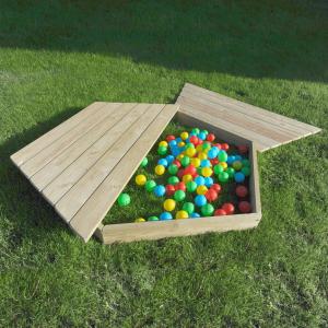Hexagonal Sand & Digging Den